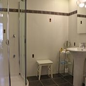 Shapland Room wonderful walk-in shower